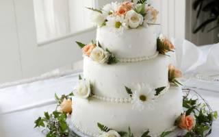 Торт многоярусный с квадратными и круглыми ярусами