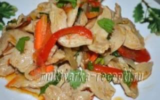 Салат из соевого мяса и овощей