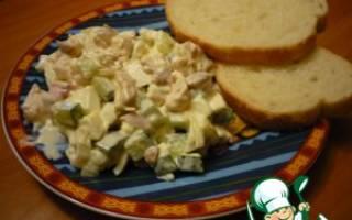 Салат из курицы с огурцом и яйцом